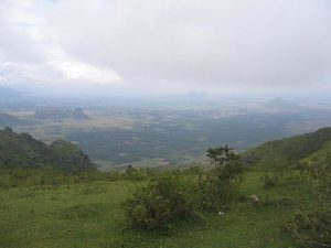 The Theni District of Tamil Nadu is dominated by mountains (Photo by Mprabaharan in the Wikimedia Commons, in the public domain)