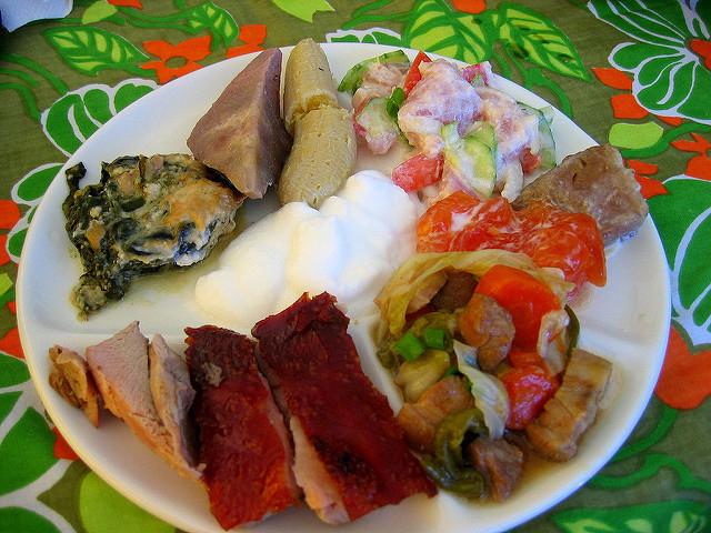 "A plate of traditional Tahitian food, called ""Ma'a Tahiti"""