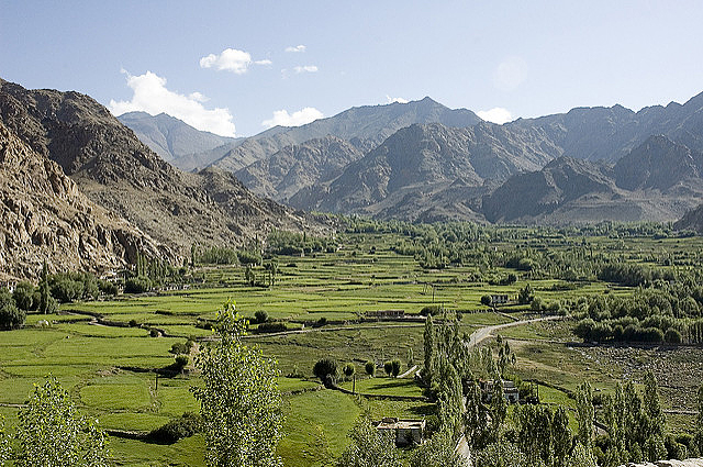 The Phyang Valley is free of trash (Photo by hceebee on Flickr, Creative Commons license)
