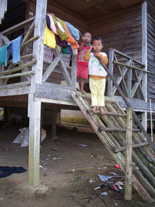 Semai children (Image by tian yake on Flickr, Creative Commons license)
