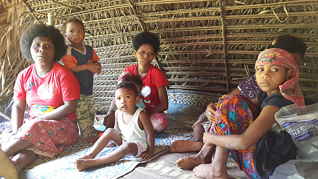 In 2016, while the Batek men in Kampung Dedari hunted, the women stayed home and cared for the children
