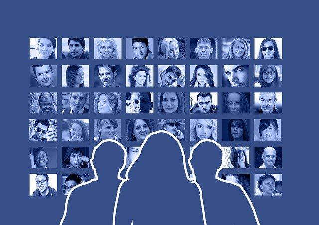 Facebook friend's communication (Free image on Pixabay)