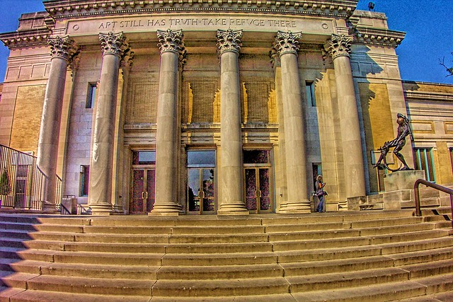 The St. Louis Art Museum (Photo by Bill Onasill on Flickr, Creative Commons license)
