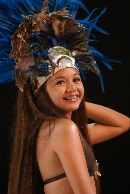 A young Tahitian girl (Photo by MAES Gabriel on Flickr, Creative Commons license)